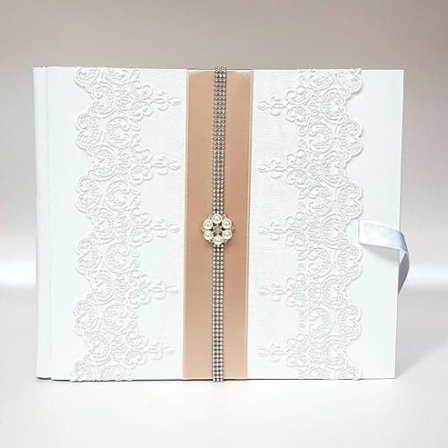 """Сватбена книга за пожелания """" Екрю и перлена брошка"""""""